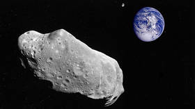 Asteroid due to speed past Earth today will come almost as close as the moon (PHOTO)
