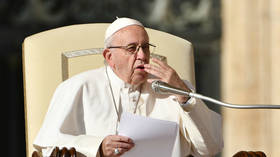 Pope Francis says politicians who attack Jews, gypsies & gays remind him of Hitler