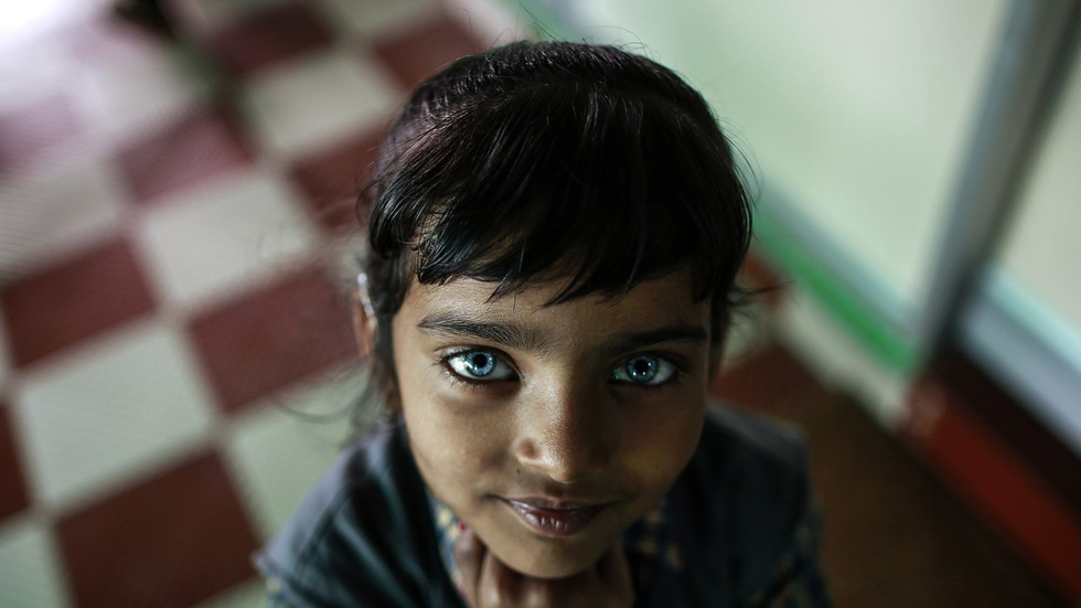 A girl from Bhopal who suffers from hearing and speech disorders ©  REUTERS/Danish Siddiqui