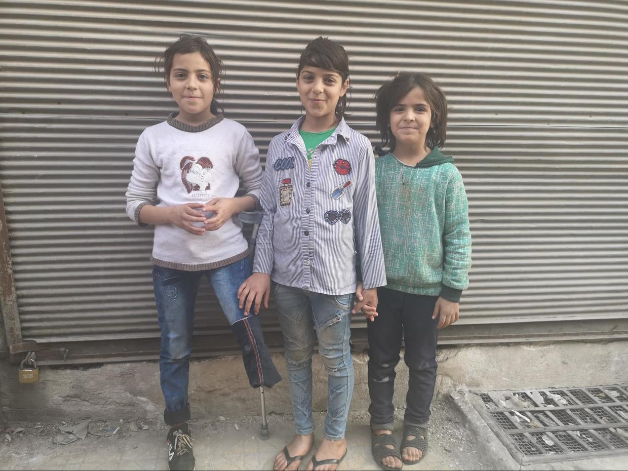 Nine-year-old Malak with her sisters in Khalidiyah, west Aleppo. ©  Vanessa Beeley