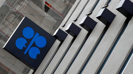 Russia & OPEC agree on new oil production cuts to prop up global crude prices