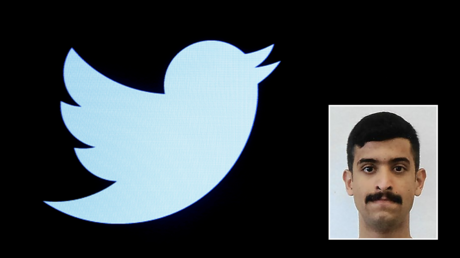 Twitter's logo and (R) a mugshot of Mohammed Alshamrani © Reuters / Brendan McDermid and the Federal Bureau of Investigation