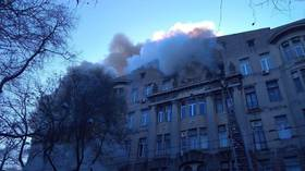Students jump out of windows as college burns in Ukraine (VIDEOS)
