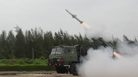 Indian army shows off brand new surface-to-air missile during test launch VIDEO