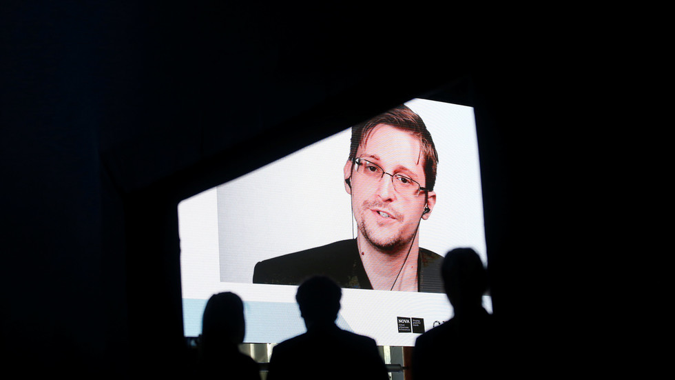 Sometimes breaking the law is the 'only moral' choice: Snowden opens up to Ecuador's ex-president Correa