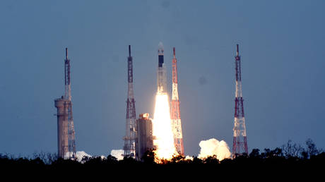 FILE PHOTO: Chandrayaan-2 pictured during lift-off © Global Look Press / Zhang Naijie / Source: Xinhua