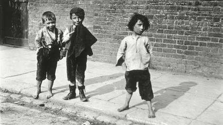 Street urchins in 19th century London. © Stapleton Historical Collection