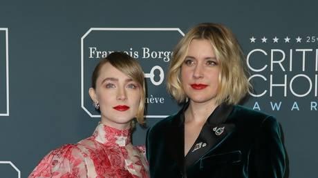 Saoirse Ronan and director Greta Gerwig at the 25th Critics Choice awards (2020)