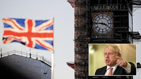 (Main) A union flag flies near 'Big Ben' in Westminster, London © AFP / Tolga AKMEN (Bottom right) British PM Boris Johnson © AFP / Pool / Liam McBurney