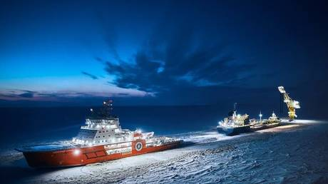 """FILE PHOTO: Icebreaker """"Andrey Vilkitsky"""" and """"Alexander Sannikov""""  © Gazprom"""