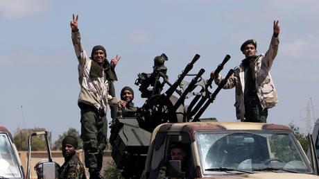 Libyan National Army (LNA) members, commanded by Khalifa Haftar, head out towards Tripoli © REUTERS/Esam Omran Al-Fetori