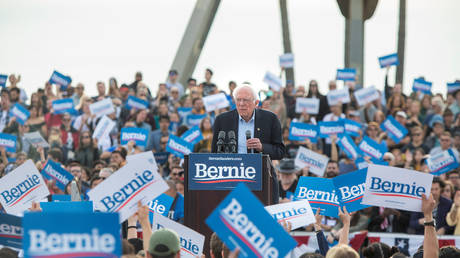 Bernie Sanders at campaign rally at Venice Beach in Los Angeles, California