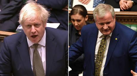 (L) British PM Boris Johnson © AFP / PRU (R) Scottish National Party's (SNP) commons leader Ian Blackford © AFP / UK PARLIAMENT / JESSICA TAYLOR