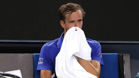Australian Open: Daniil Medvedev suffers bleed, Rafael Nadal hails ballgirl bravery, Serena Williams talks boxing