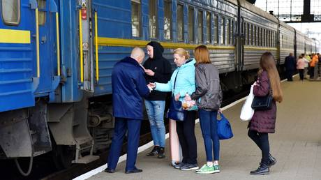 Nein, we didn't sign! Germans say they are not TAKING OVER Ukraine's railroads for 10 years (yet) after PM tags Deutsche Bahn - rt
