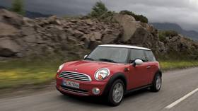 OMG! Mini Cooper catches fire & drives ON ITS OWN in stunning VIDEO