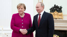 Putin, Merkel meet reporters after talks in Moscow (VIDEO)