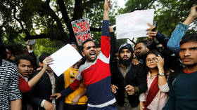 Indian student injured after gunman opens fire on citizenship bill protesters in Delhi (VIDEO)