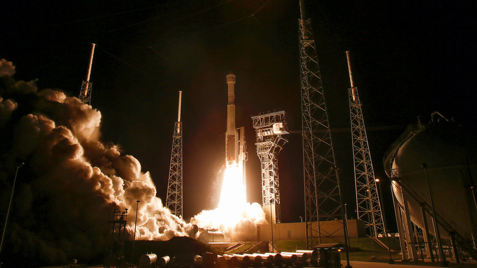 Boeing buys parts for its spacecraft from private Russian firm