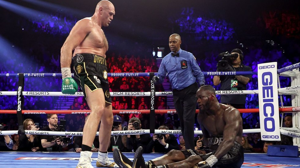 The Gypsy King reigns supreme: Tyson Fury stops Deontay Wilder to win WBC world heavyweight title in Las Vegas rematch
