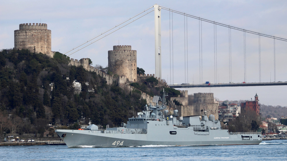 Russian missile frigates passing through Turkish straits amid Idlib escalation