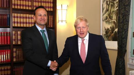 Irish Taoiseach Leo Varadkar and Britain's Prime Minister Boris Johnson. © Pool via REUTERS / Liam McBurney