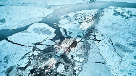 "FILE PHOTO: Icebreakers ""Andrey Vilkitsky"" and ""Alexander Sannikov"" © Global look Press / MIT Russia"