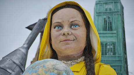 A giant papier-mache float representing the climate and environmental activist Greta Thunberg, February 9, 2020, Viareggio, Italy © Getty Images / Laura Lezza