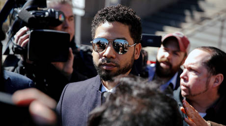 Actor Jussie Smollett leaves court after charges against him were dropped by state prosecutors in Chicago, Illinois, U.S. March 26, 2019. © REUTERS/Kamil Krzaczynski