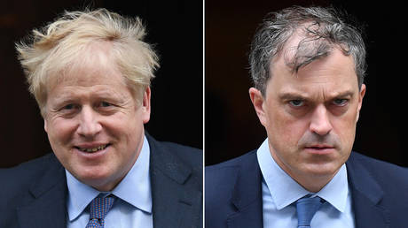 (L) British PM Boris Johnson and (R) Former Northern Ireland secretary Julian Smith © AFP / DANIEL LEAL-OLIVAS