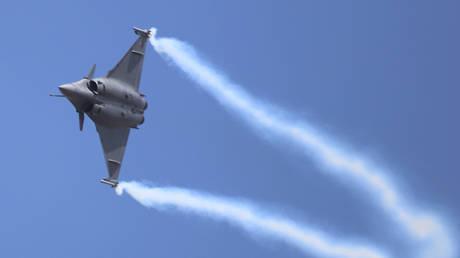 FILE PHOTO: An Indian Air Force's Dassault Rafale jet © Xinhua / Kashif Masood