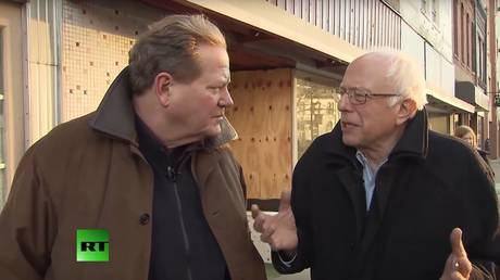 Vermont Senator Bernie Sanders speaks with RT's late anchor Ed Schultz for an exclusive interview in 2016.