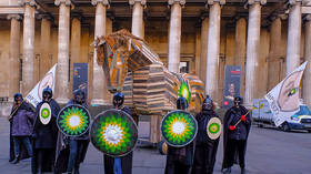 Climate protesters take a literal TROJAN HORSE to British Museum (PHOTOS, VIDEOS)