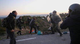Residents clash with police as Greek govt proceeds with construction of new migrant center in Lesbos (PHOTOS/VIDEOS)