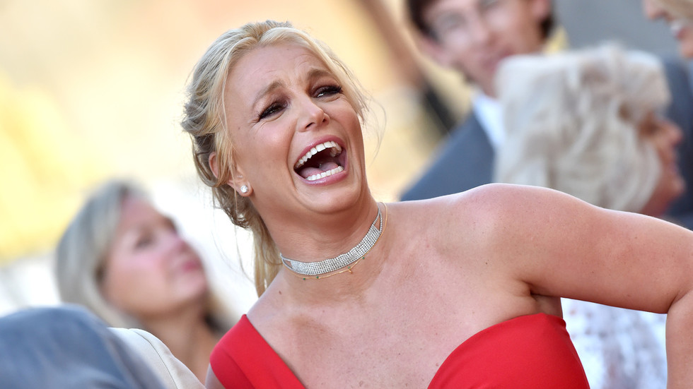 'I must confess, I don't believe!' Britney Spears claims to break 100m world record, anti-feminism lie-spotter goes crazy