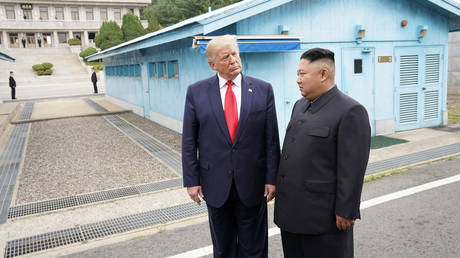 FILE PHOTO US President Donald Trump meets with North Korean leader Kim Jong Un at the demilitarized zone separating the two Koreas. © Reuters / Kevin Lamarque