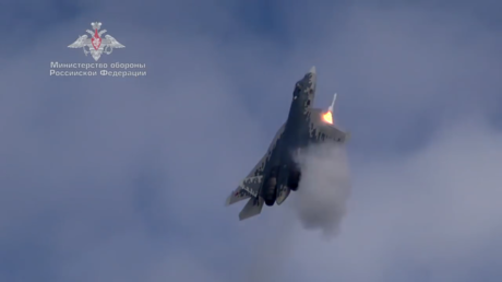 Watch Russian Su-57 fire missile during NEAR-VERTICAL CLIMB as pilots master new jet's capabilities (VIDEO)