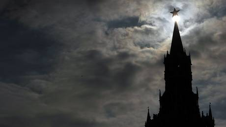 FILE PHOTO: The Kremlin Spasskaya Tower at the Red Square in Moscow © AFP / Sergei Supinsky