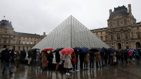 Louvre closed over coronavirus concerns, leaving blindsided visitors freezing outside