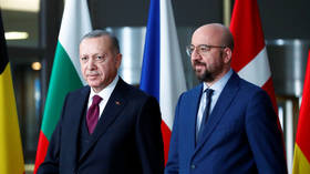 Ankara to host migration summit, defies EU pressure to shut border