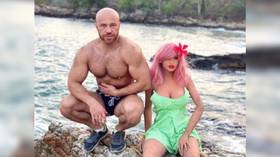 Freaky romance: Kazakh bodybuilder intends to marry sex doll (PHOTOS)