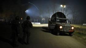 Turkey evacuates hundreds of migrants from Greek border amid virus pandemic
