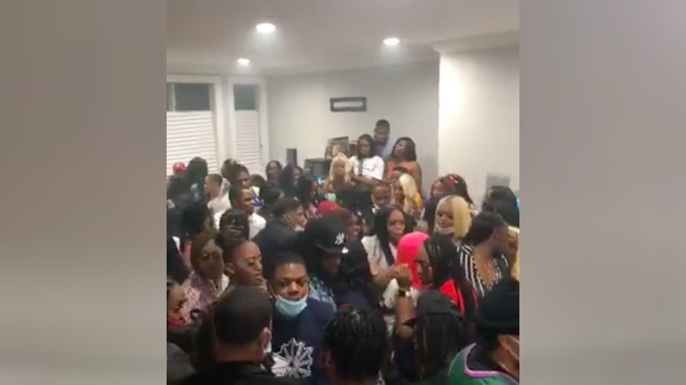 Huge house party in Chicago caught on viral video