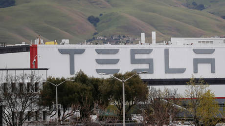 FILE PHOTO: Tesla Inc's US vehicle factory in Fremont, California, US © Reuters / Shannon Stapleton