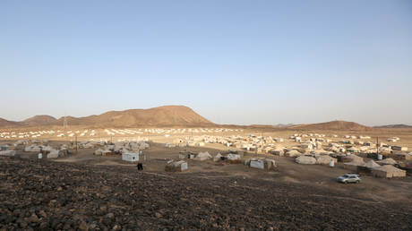 A view of a camp for people recently displaced by fighting in Yemen's northern province of Al-Jawf between government forces and Houthis, in Marib, Yemen, March 8, 2020. © Reuters / Ali Owidha