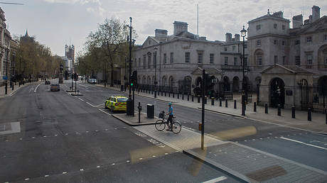 A nearly deserted Downing Street during lockdown due to corona virus pandemic © Getty Images/Rahman Hassani/SOPA Images/LightRocket