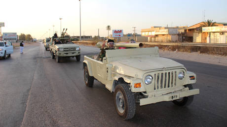 Military vehicles of members of the Libyan internationally recognized government forces head out from Misrata to front line in Tripoli, Libya, May 10, 2019. © Reuters / Ayman Al-Sahili