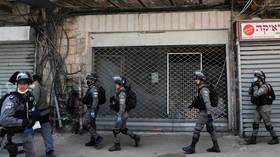 WATCH: Arab neighborhood in Jaffa erupts in riot after Israeli cops target alleged virus quarantine-breaker