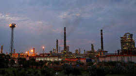Indian refineries slash Middle East oil imports as storage fills up
