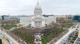 Over 1,000 protesters storm Wisconsin Capitol to demand end to lockdown as every 8th resident out of work (PHOTOS & VIDEO)